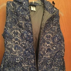 Patagonia printed puffer vest. Women's xl